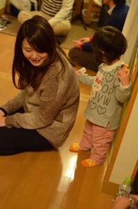 みずぽっと体操で整体する2歳児